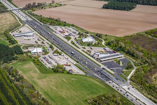 Autobahnrastplatz Flming an der A9 - Luftbild